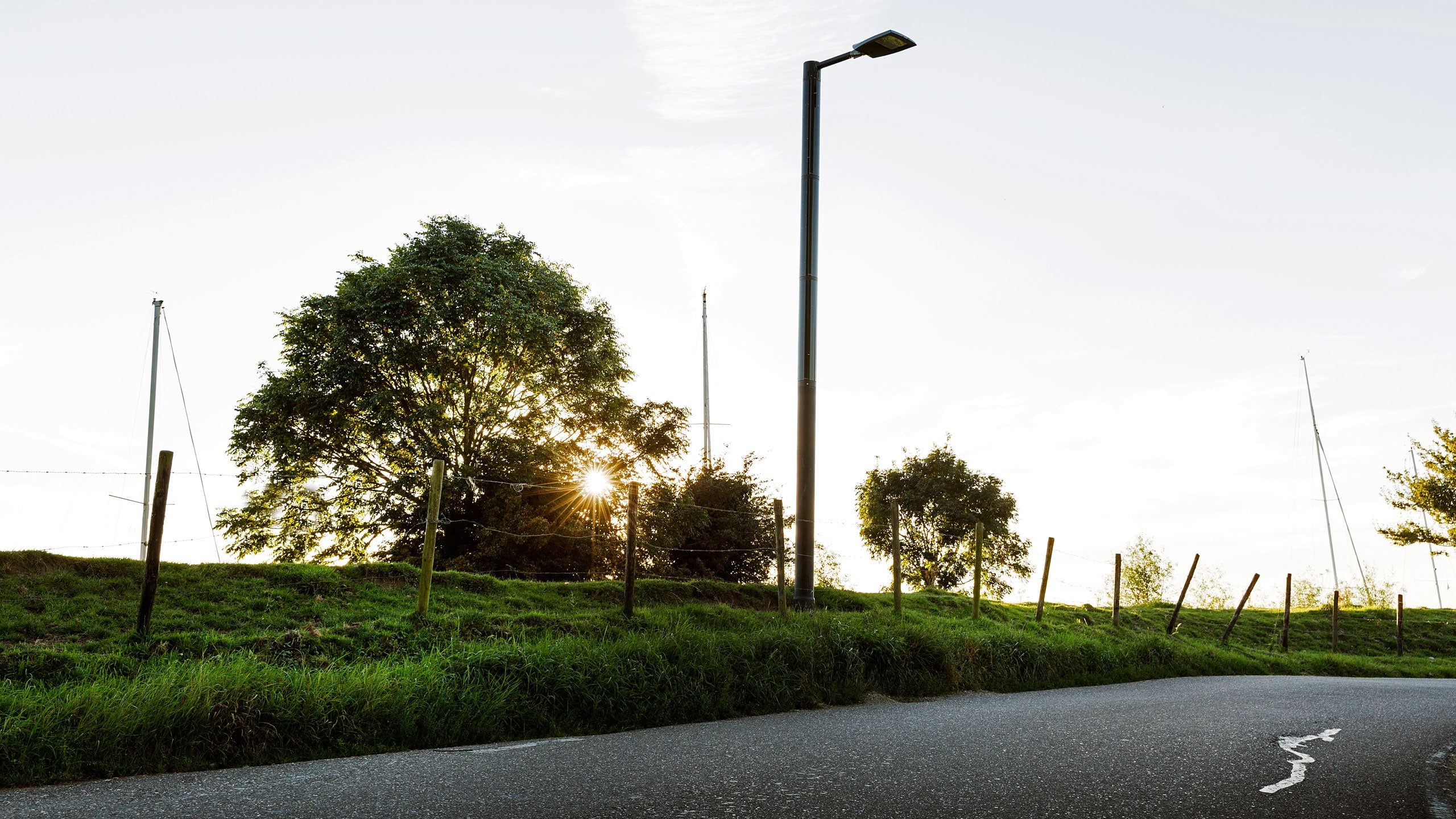 Soluxio solar light post road street lighting